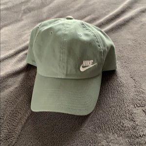 Sage Green Nike hat 🤩
